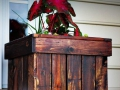 01-diy-pallet-wood-planter-box-ideas-homebnc
